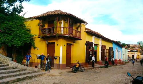 EXPLORING CUBA (8-Day Trip)